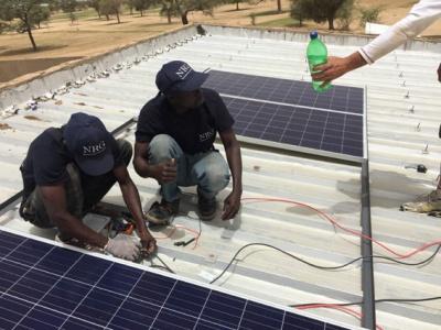 instalando-placas-solares-min